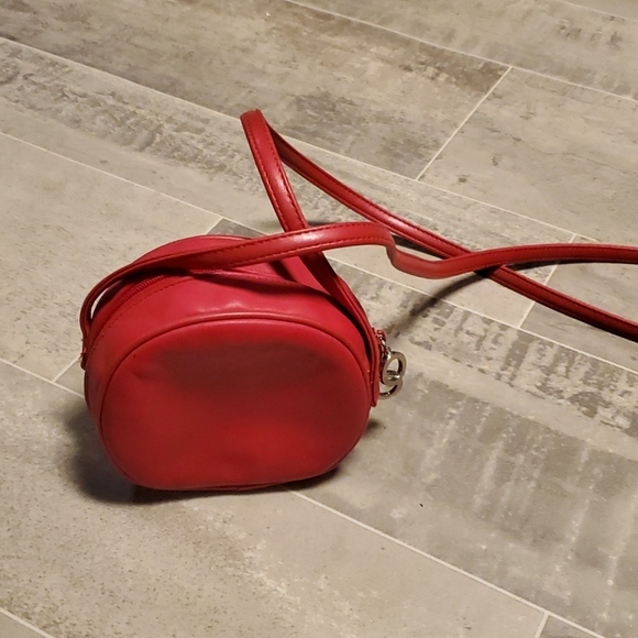 EUC Diamicci Red Round Crossbody Bag